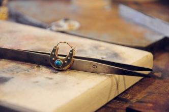 手工耳環,我的作品之一。可惡! 寄丟了!