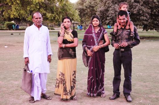 新德里的一家人