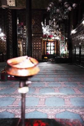 Shah-I-Hamadan。只能站在外面偷看內廳