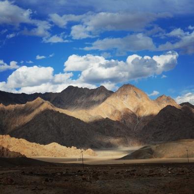 一路的黃沙礦山