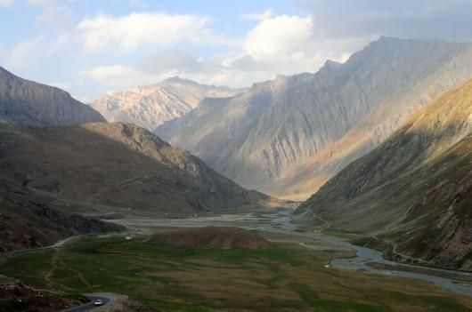 河谷的另一邊往著名的Zanska延伸過去