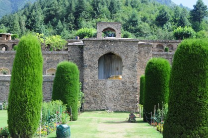 花草樹木、水池是花園的基本設置