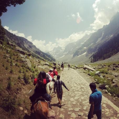 騎馬前往Tajwas冰河