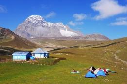 Haramukh山腳下露營