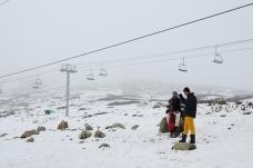一般要等到二月,充沛的雪量才會吸引專業滑雪者前來