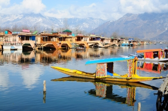Shikara Dal Lake