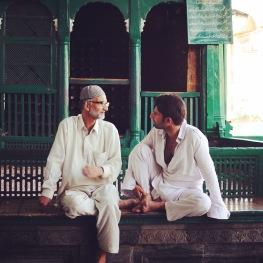 清真寺話家常