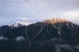 夕陽照山頭