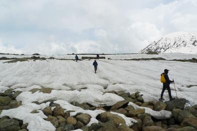 沿路皆冰。2015年6月中旬