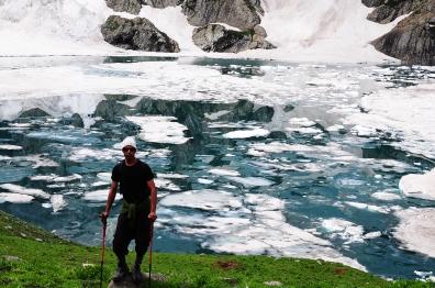 7月初湖面上壯觀的浮冰(2015)