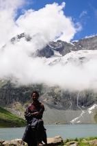 雲霧繚繞山頭