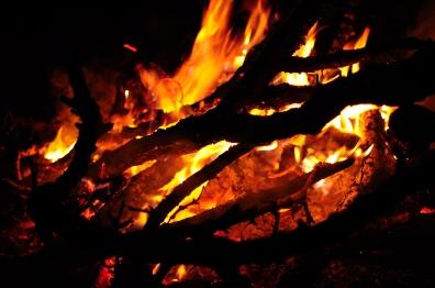 晚間的營火。2015年9月下旬