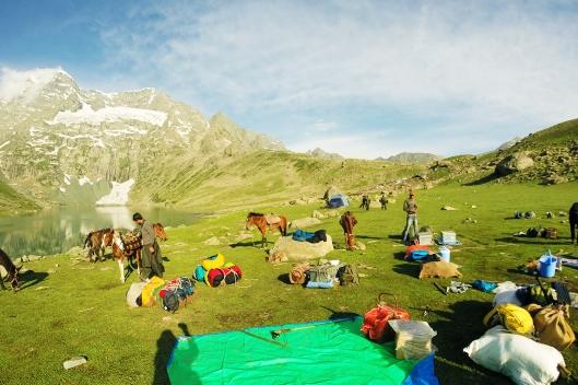 Gangabal湖拔營