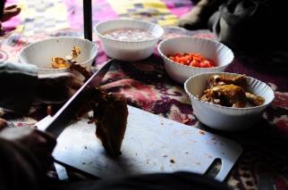 山上吃的雞肉為了久放,一定會在家裡先炸過