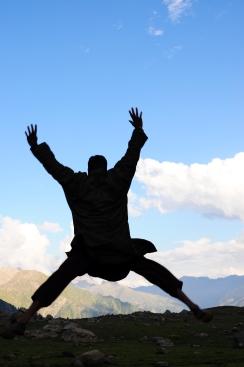 來到山上必跳躍