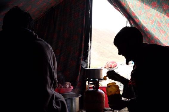 Paja幫忙煮茶