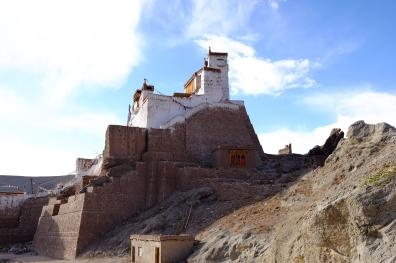 巴斯果修道院側面